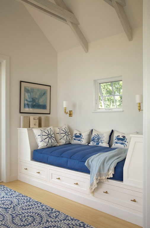 Marine decor for bed