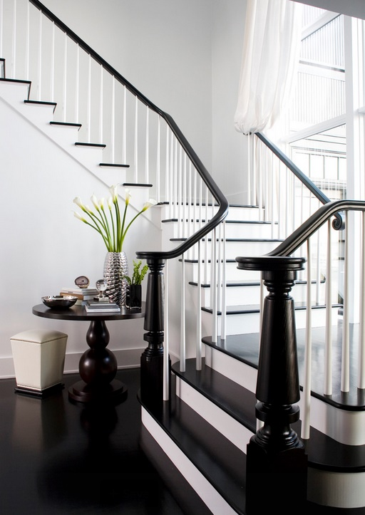 Black and white staircase decorating