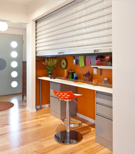 Colorful House - home office