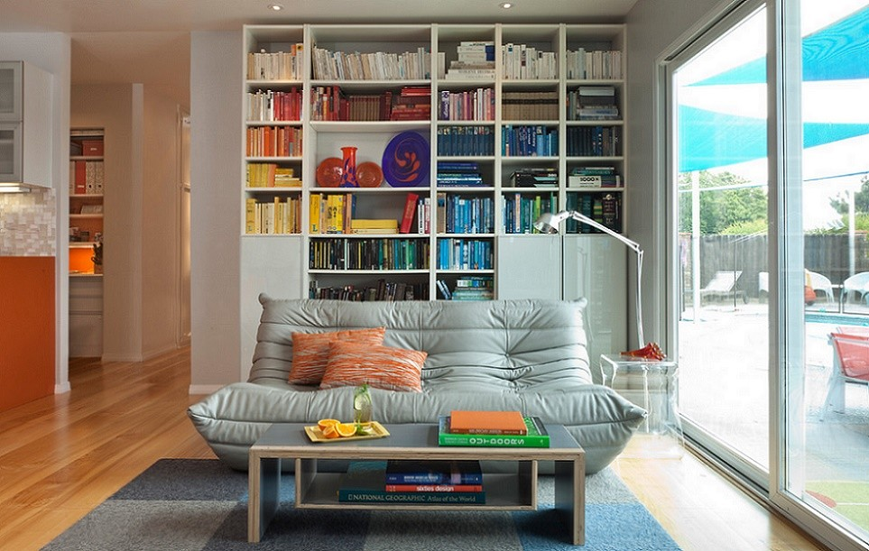 Colorful House - living room