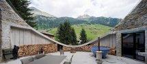 Image Terasa semicirculara casa de vacanta in Alpi