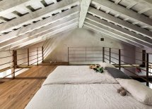 Image Dormitor minimalist amenajat in pod