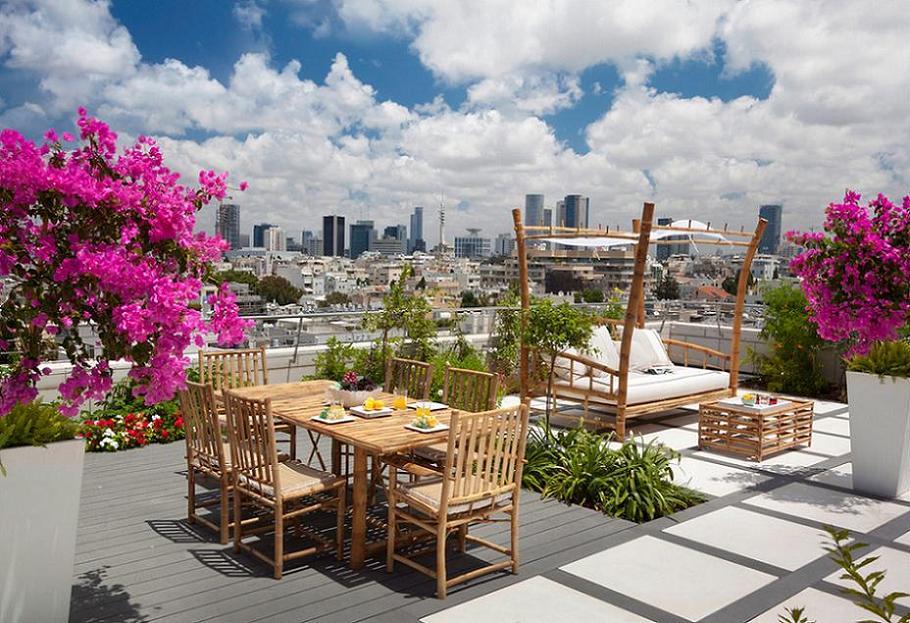 A Sky-High Terrace