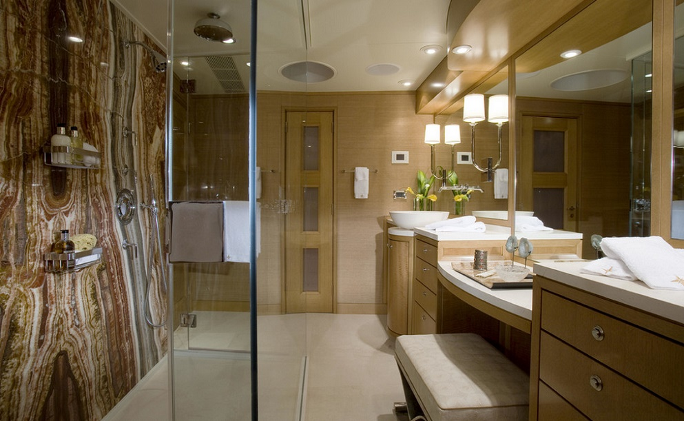 Slojo Yacht - Bathroom