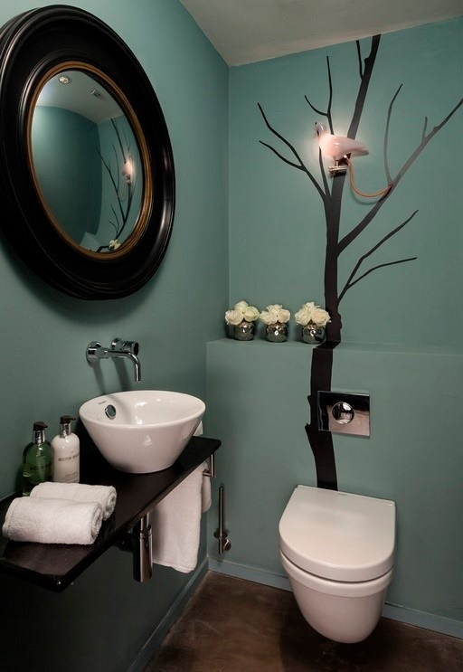 Small Bathroom Decorating Ideas use a soothing palette Small Bathroom Ideas